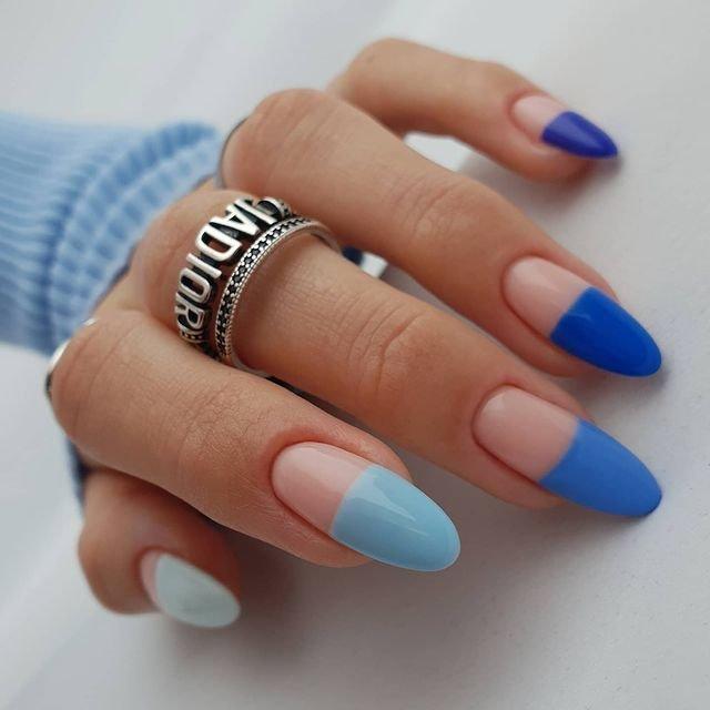 Дизайн для длинных ногтей в синих тонах