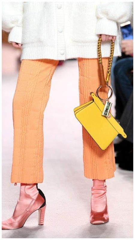 Желтая сумочка