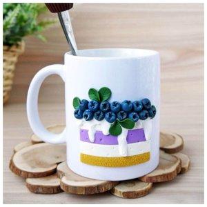 Чашка с голубикой