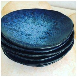 Тарелки синего цвета