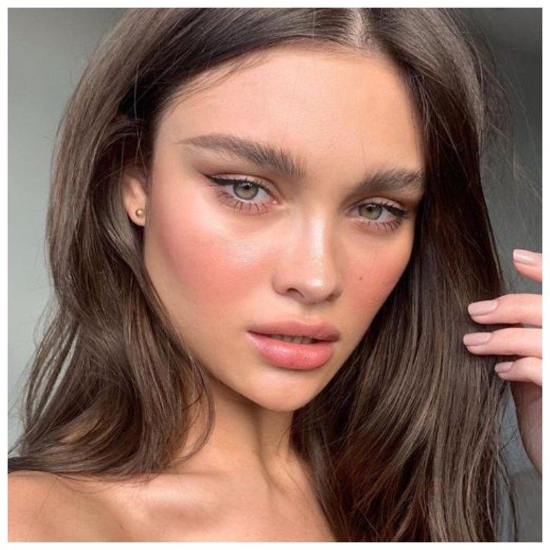 Идеальный тон мод макияж