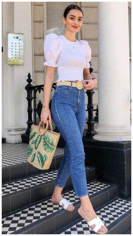 Как носить джинсы с модной блузкой