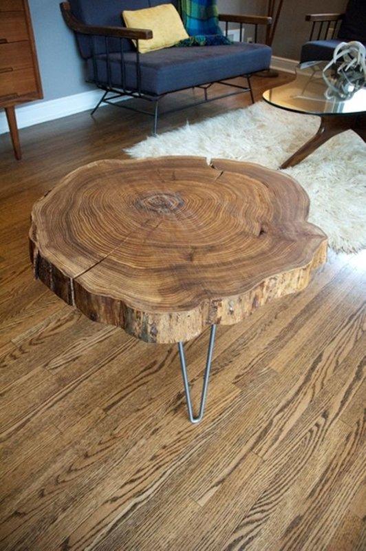 Оригинальный столик из дерева