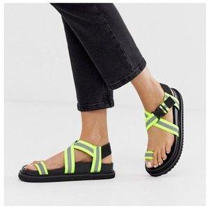 Модные сандалии с лентами для женщин