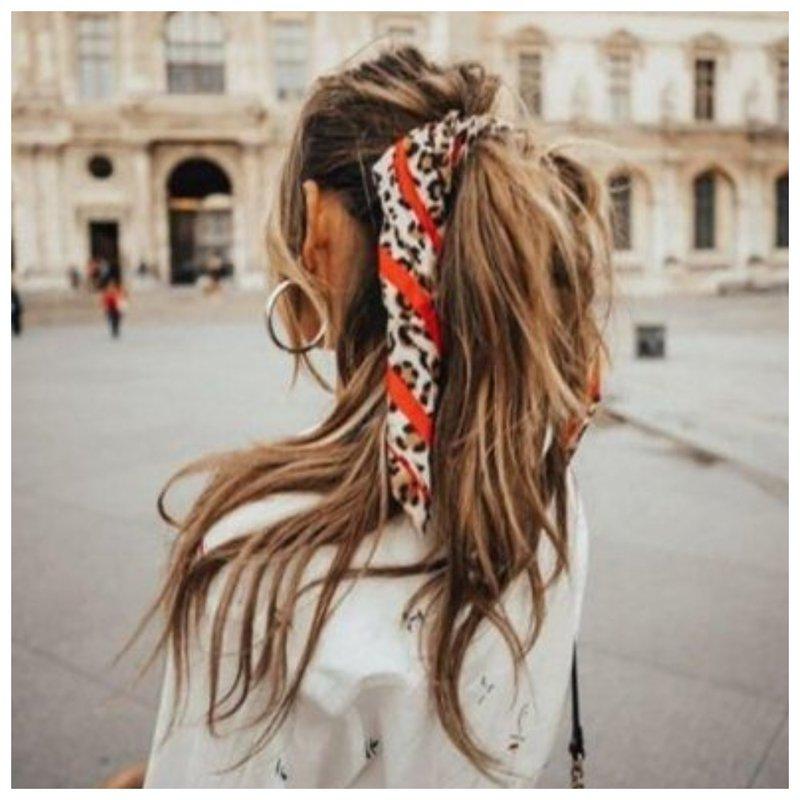 Платок и хвостик - модная прическа