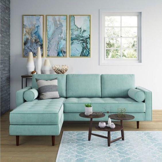 Модный диван в гостиную фото