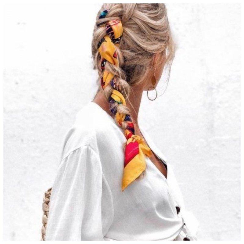 Коса с платком фото
