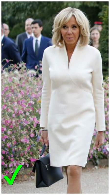 Бриджит Макрон в белом платье