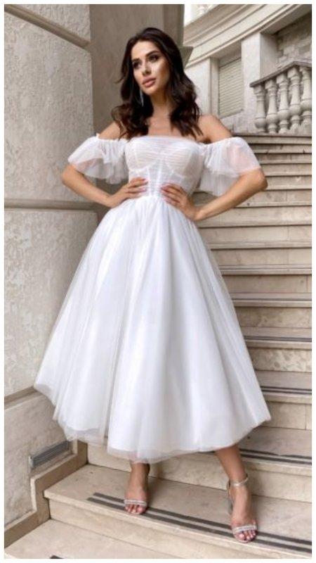 Свадебное платье с модными рукавами