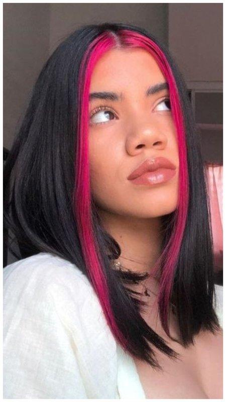 Розовые пряди у лица фото