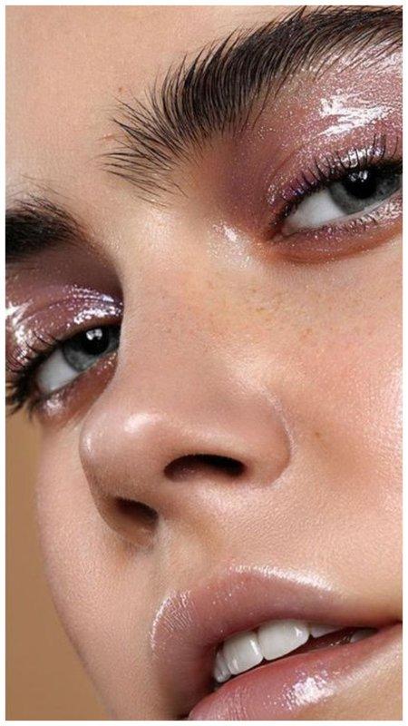 Мокрый лавандовый макияж
