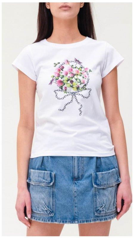 Цветочный букет на футболке пример