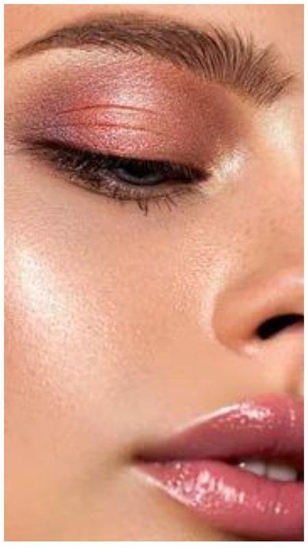 Нежный макияж с мокрым эффектом