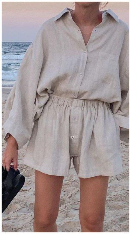 Рубашка и шорты на пляж костюм