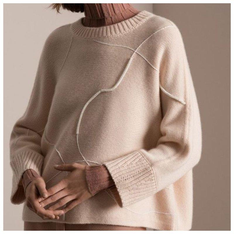 Плотный трикотажный свитер