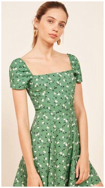 Платье с квадратным вырезом фото