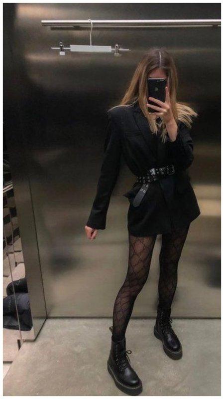 Ботинки и платье-пиджак
