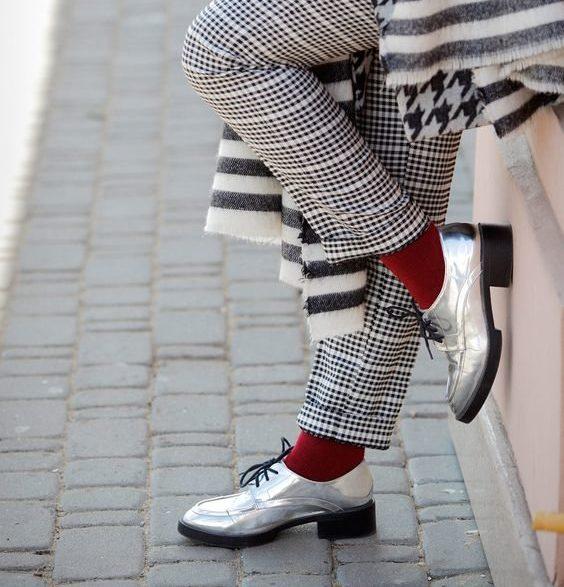 Как носить носки с осенними образами