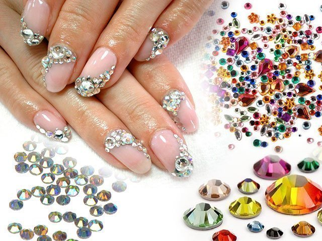 Ногти дизайн с камнями
