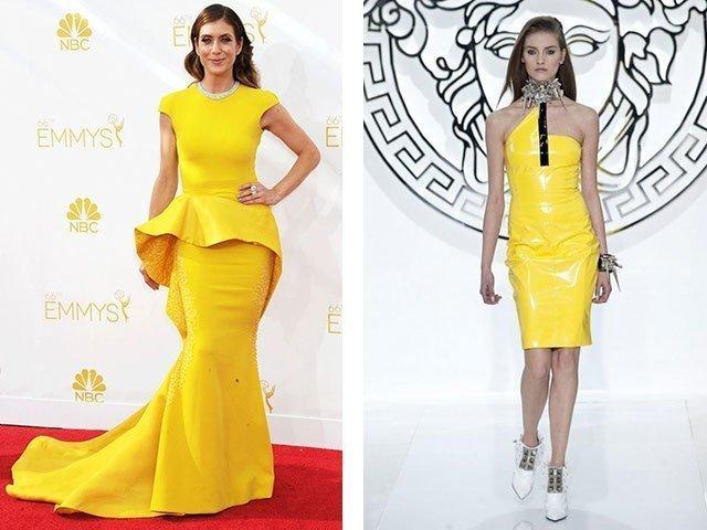 в жёлтом платье в позиции сверху